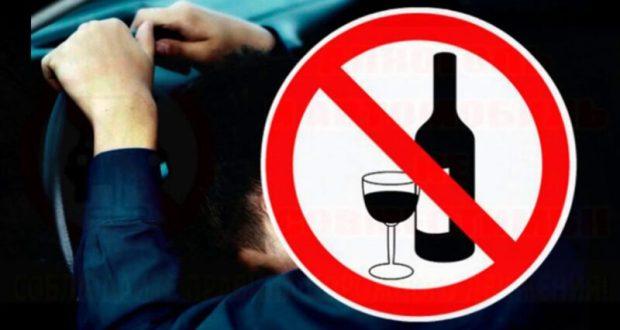 В крымском поселке Красногвардейское инспекторы ДПС задержали пьяного водителя