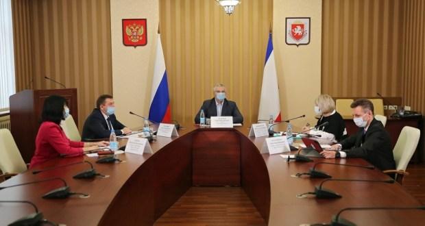 Официально: в Крыму оснований для перевода школ на дистанционное обучение нет