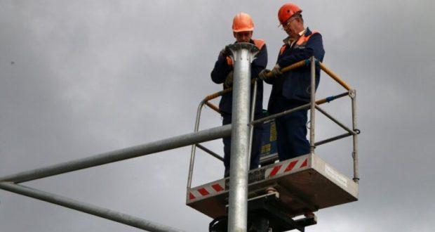 В Севастополе на остановках общественного транспорта станет светлее