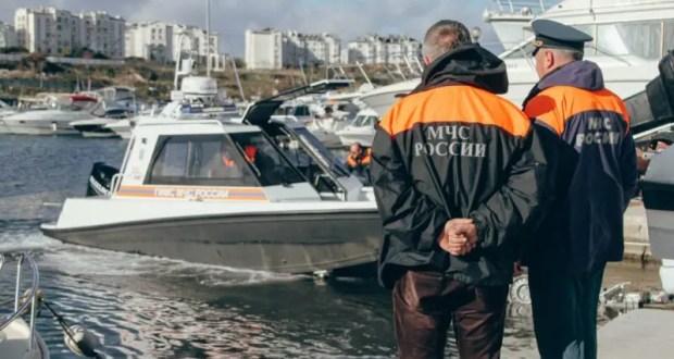 Сотрудники ГИМС в Севастополе испытали новый катер в работе