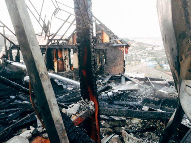 Крупный пожар в жилом доме в Севастополе