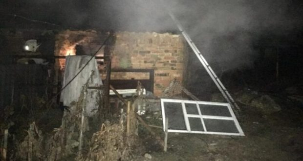 МЧС: замыкание электропроводки стало причиной пожара в крымском селе