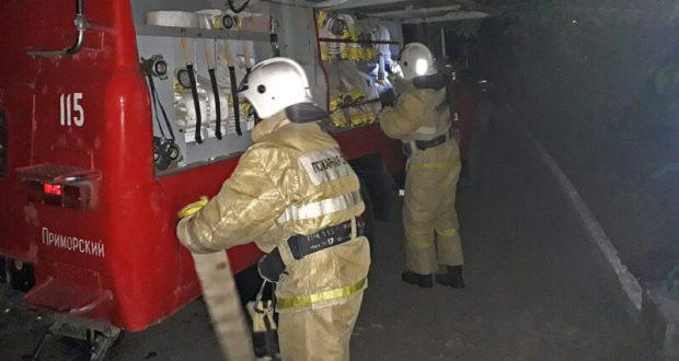 На пожаре в поселке Приморский эвакуировано 18 человек. «Огненная хроника» минувших суток в Крыму
