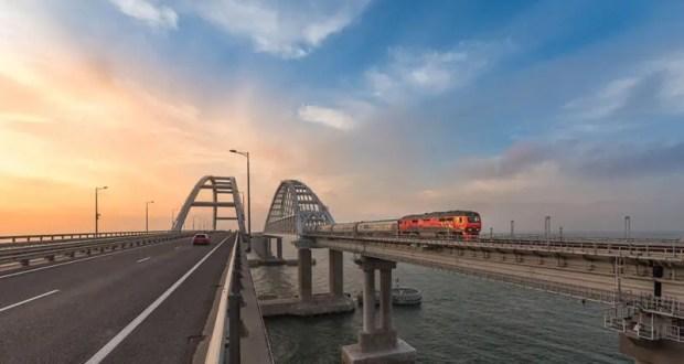Год со дня запуска первого пассажирского поезда по Крымскому мосту: цифры и факты