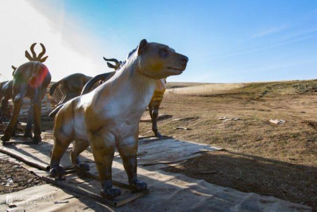 В пещеру «Таврида» привезли фигуры ископаемых животных