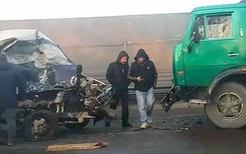 Утреннее ДТП под Симферополем: «ГАЗель» врезалась в КАМАЗ