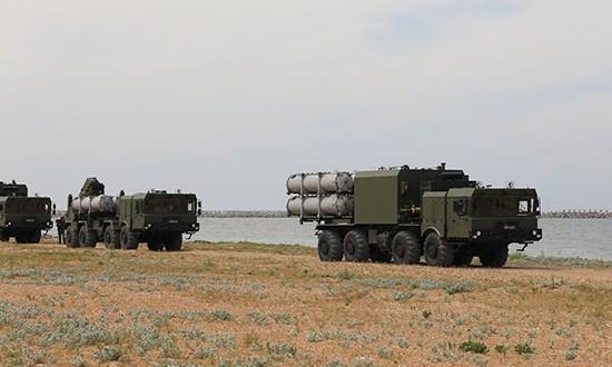 В Крыму прошло совместное учение сил морской авиации ЧФ с береговым ракетным комплексом «Бал»