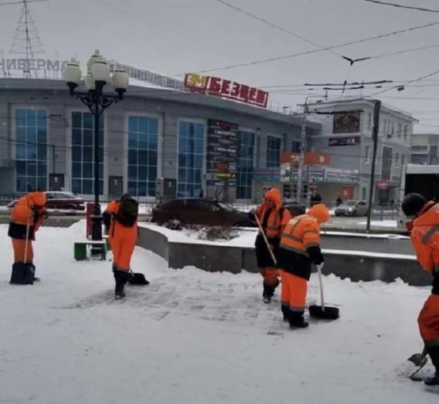 Власти уверяют: в Симферополе приняты необходимые меры для борьбы с непогодой