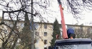 В Севастополе обустраивают наружное освещение во дворах