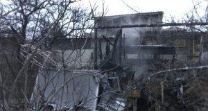 В Севастополе на пожаре едва не погибли два человека