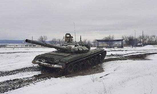 Танкисты армейского корпуса Черноморского флота выполнили учебные стрельбы на полигоне в Крыму