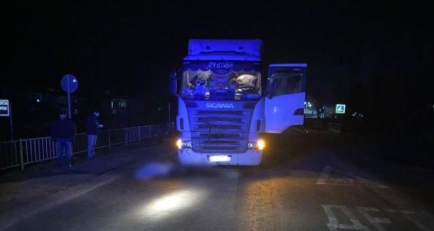 Смертельное ДТП на трассе «Симферополь – Красноперекопск»: под колеса грузовика попал пешеход