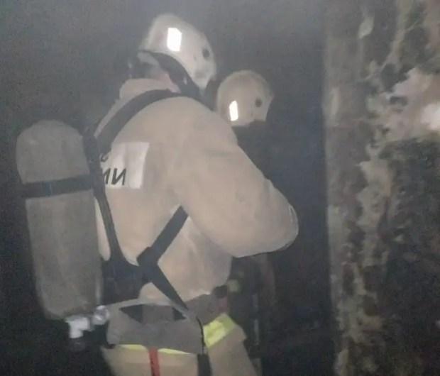 На пожаре в Керчи спасена пожилая женщина