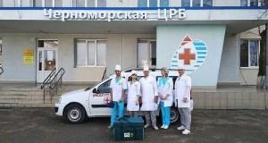 Вакцинация против COVID-19 в Крыму: как работают выездные бригады медиков