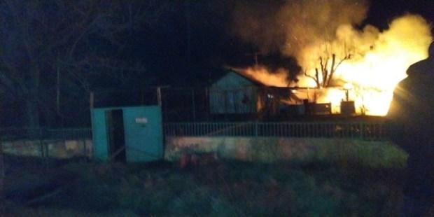 На пожаре в селе Перевальном Симферопольского района взорвался газовый баллон