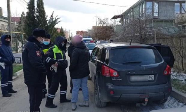 В Феодосии задержали мужчину с револьвером и патронами. Говорит: нашел, шел сдавать
