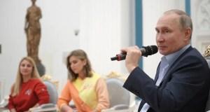 """Владимир Путин поддержал идею распространить севастопольскую акцию """"Лучи Победы"""" на другие города"""