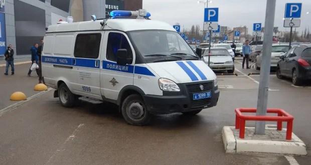 """Поножовщина на парковке Торгового центра """"Меганом"""" в Симферополе"""
