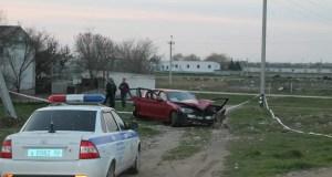 В Евпатории подозреваемый в сбыте наркотиков, пытался сбежать от полиции. Итог? Влетел в ДТП