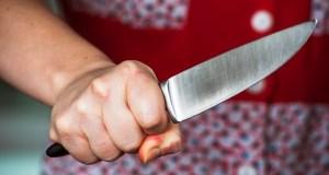 Дела семейные: в Симферополе жена ударила ножом в живот и… ушла спать
