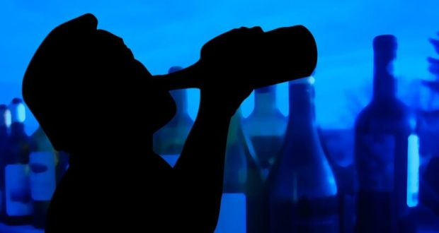 """Запой - проза жизни или болезнь, с """"билетом в один конец""""? Как помочь запойному алкоголику"""