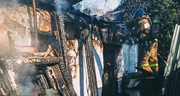 В Нахимовском районе Севастополя сгорел частный дом