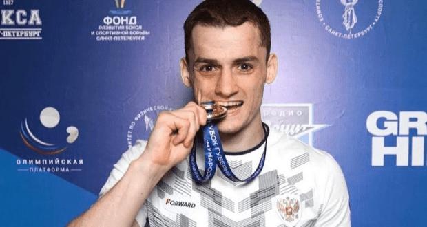 Боксер Глеб Бакши - победитель международного турнира в Санкт-Петербурге