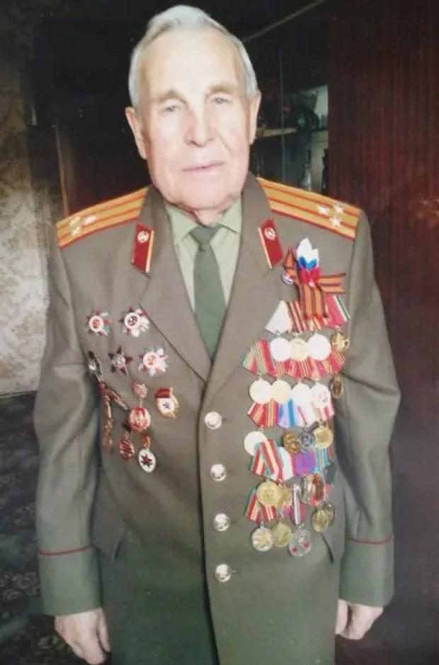 Крымский фронтовик привился «Спутник V», чтобы принять парад в Симферополе