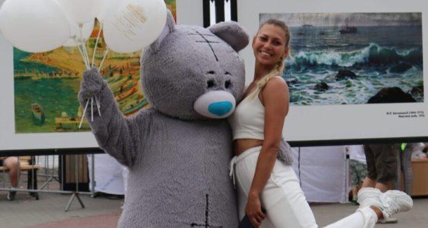 Гости ярмарки в Севастополе съели больше двух с половиной тонн мороженого