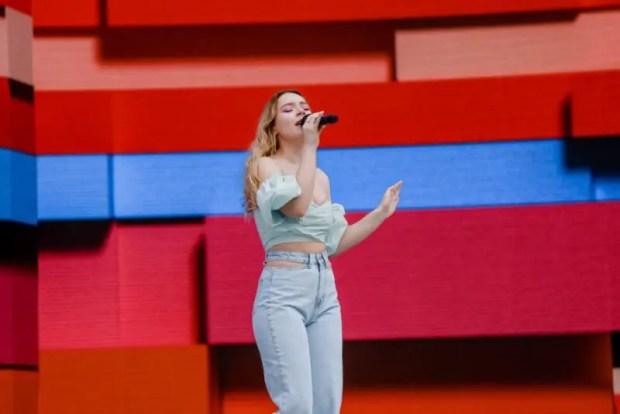Резиденты арт-кластера «Таврида» исполнили Гимн России на Красной площади