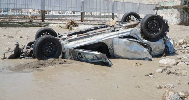Подсчитали – прослезились: сколько автомобилей утонуло в Керчи и Ялте