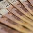 """Рефинансирование займов - спасательный круг для тех, кто """"по уши"""" в долгах"""