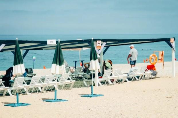 Из 30 пляжей Севастополя к эксплуатации пока допущены только 16