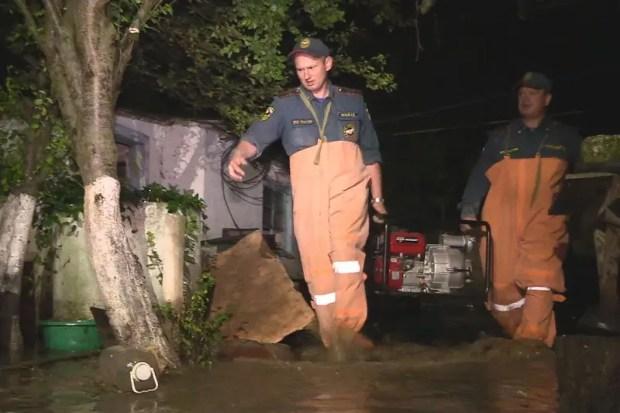 межведомственной комиссией продолжается активная работа по установлению ущерба, причинённого из-за сложных погодных условий.