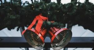 Искусственная хвойная гирлянда - праздничный атрибут, с выбором которого нельзя прогадать