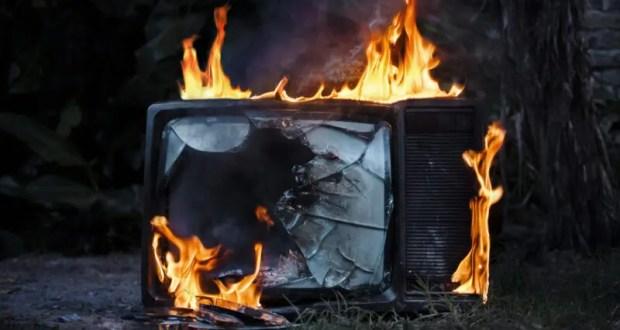 Утренний пожар в Севастополе – «от телевизора» пострадал один человек