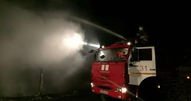 В курортном поселке Береговое горели заброшенные домики для отдыха. Этот и еще два десятка пожаров в Крыму