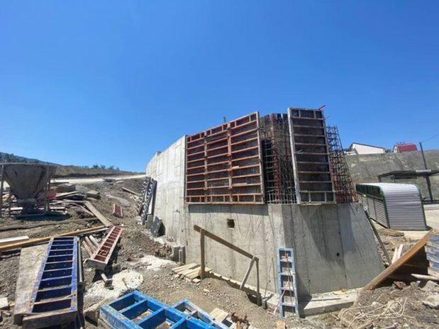 В Алуште идут работы по созданию подпорных сооружений подъездной дороги к ЖК «Семейный»