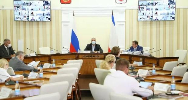 В Крыму передадут семь земельных участков сельхозназначения в муниципальную и ритуальную собственность