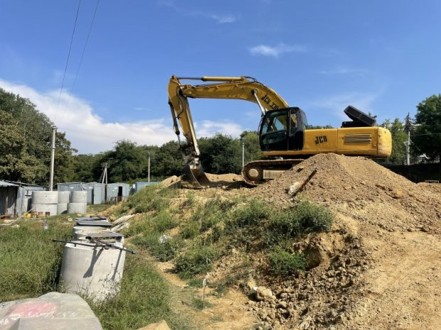 Строительство канализационных очистных сооружений в севастопольском селе Дальнем выполнено на 50%