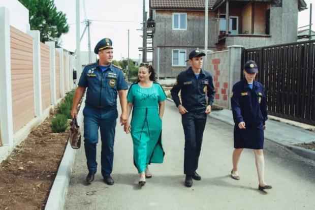 Сотрудники МЧС России проводят рейды в севастопольских лесах и дачном секторе