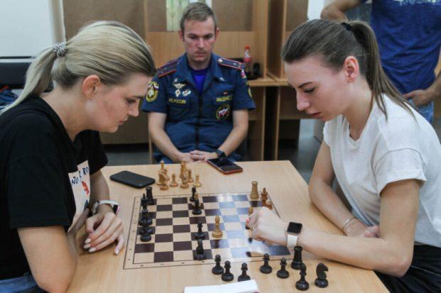 В Севастополе прошёл чемпионат по шахматам среди сотрудников МЧС