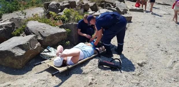 Туристка отправилась в горы в… сланцах и сломала ногу. На помощь пришел «КРЫМ-СПАС»