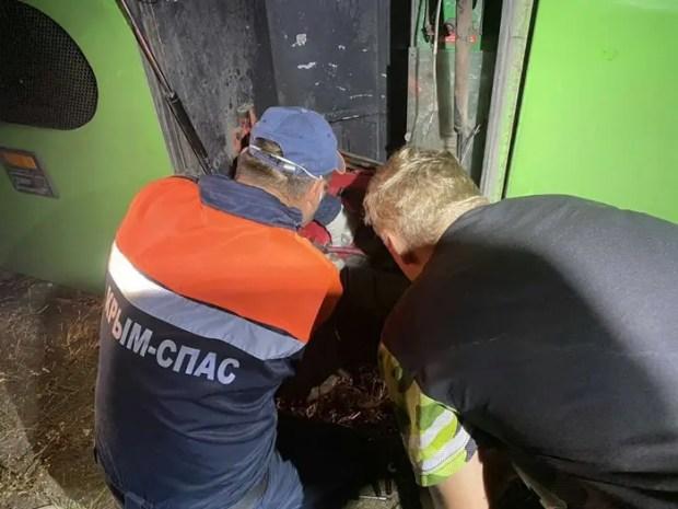 «КРЫМ-СПАС» на трассе «Таврида» оказал помощь пассажирам сломавшегося автобуса