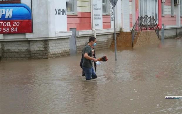 Сергей Аксёнов получает данные из подтопленной Керчи каждый час