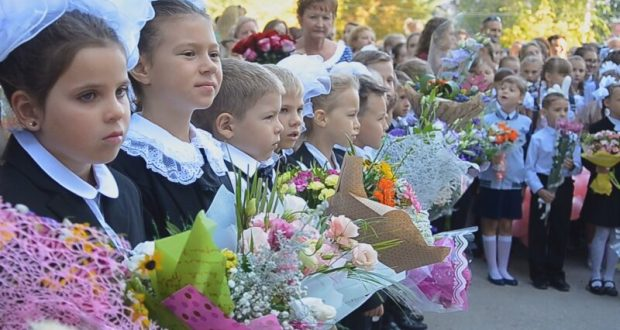 Допустят ли родителей школьников в Крыму на линейки 1 сентября