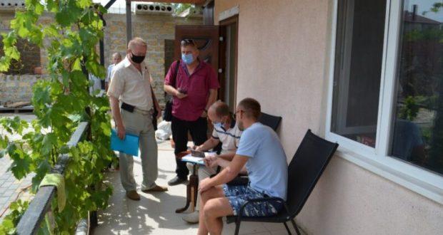 В отелях и гостевых домах Севастополя проверяют соблюдение противоковидных мер профилактики