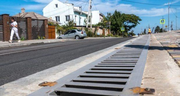 Инфраструктура Севастополя: капремонт дороги на улице Галины Петровой завершен раньше срока