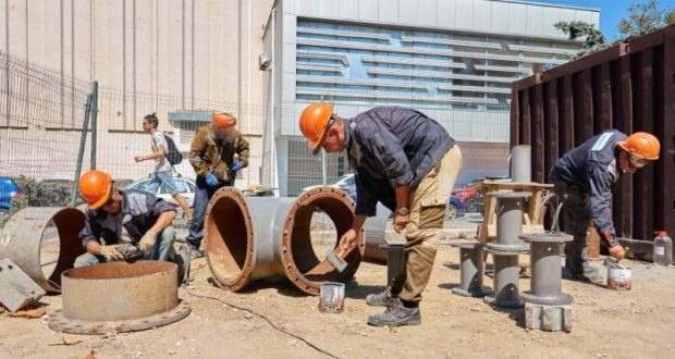 В Севастополе - по проспекту Генерала Острякова до улицы Пожарова - реконструируют магистральный водопровод