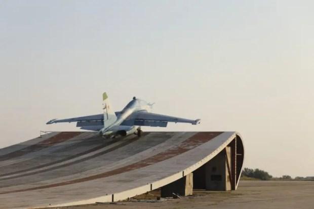 В Крыму проходит подготовка летного состава палубной авиации Северного и Черноморского флотов